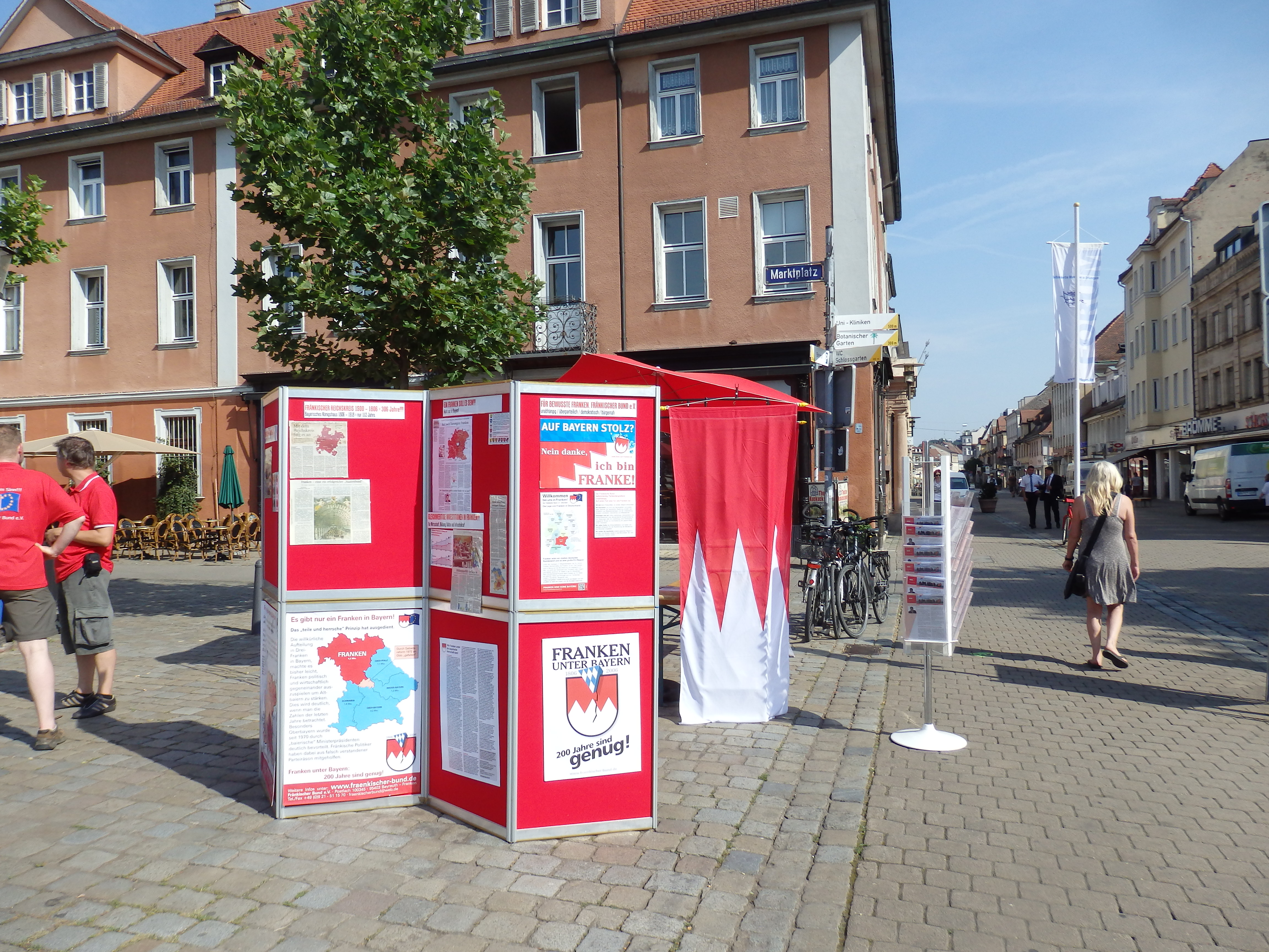 2015 7 FB.Infostand Fo. M.Treml