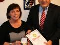 2015 10 Die Preisträgerin-Landrätin Christine Zitzmann-mit dem FB-Vorsitzenden Wolfgang Hoderlein